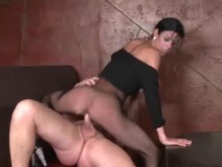 Sexy Mom has sex in the Bar