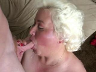 Mature fatty gives a good blowjob