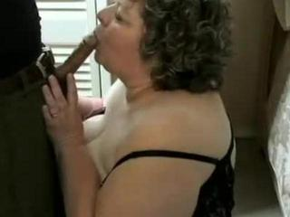 fat amateur woman banging a black cock